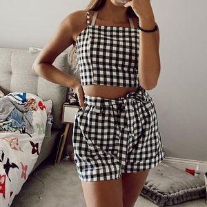 Brand new checkered set😍